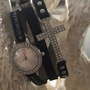 Accessories - Sparkly adjustable watch w/brown faux leather band